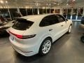 Porsche Cayenne Turbo Carrara White Metallic photo #13