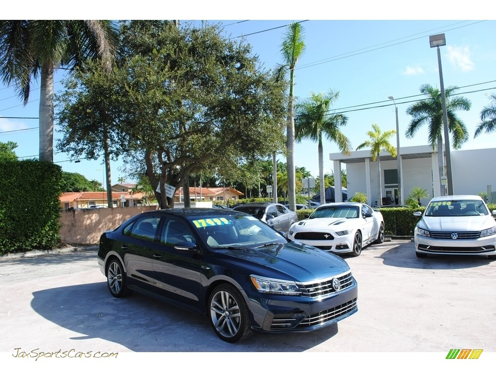 2018 Passat R-Line - Tourmaline Blue Metallic / Titan Black photo #1