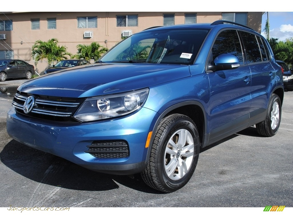 2017 Tiguan S - Pacific Blue Metallic / Charcoal photo #5