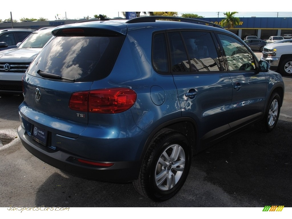 2017 Tiguan S - Pacific Blue Metallic / Charcoal photo #9