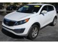 Kia Sportage LX Clear White photo #4