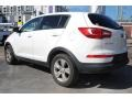 Kia Sportage LX Clear White photo #7
