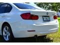 BMW 3 Series 320i Sedan Alpine White photo #18