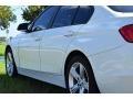 BMW 3 Series 320i Sedan Alpine White photo #19