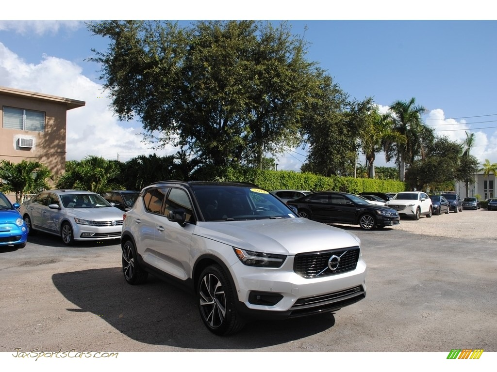 2019 XC40 T5 R-Design AWD - Bright Silver Metallic / Charcoal photo #1