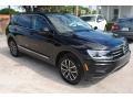 Volkswagen Tiguan SE Deep Black Pearl photo #2
