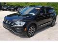 Volkswagen Tiguan SE Deep Black Pearl photo #4