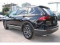 Volkswagen Tiguan SE Deep Black Pearl photo #7