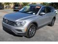 Volkswagen Tiguan SE Pyrite Silver Metallic photo #4