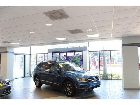 Blue Silk Metallic 2020 Volkswagen Tiguan SE