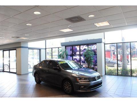 Platinum Gray Metallic 2018 Volkswagen Jetta Wolfsburg Edition