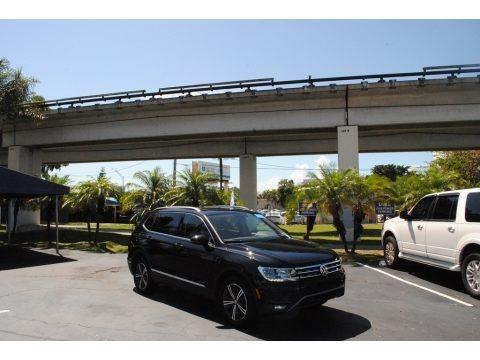 Deep Black Pearl 2019 Volkswagen Tiguan SEL