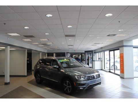 Platinum Gray Metallic 2019 Volkswagen Tiguan SEL