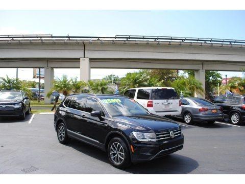 Deep Black Pearl 2020 Volkswagen Tiguan SE
