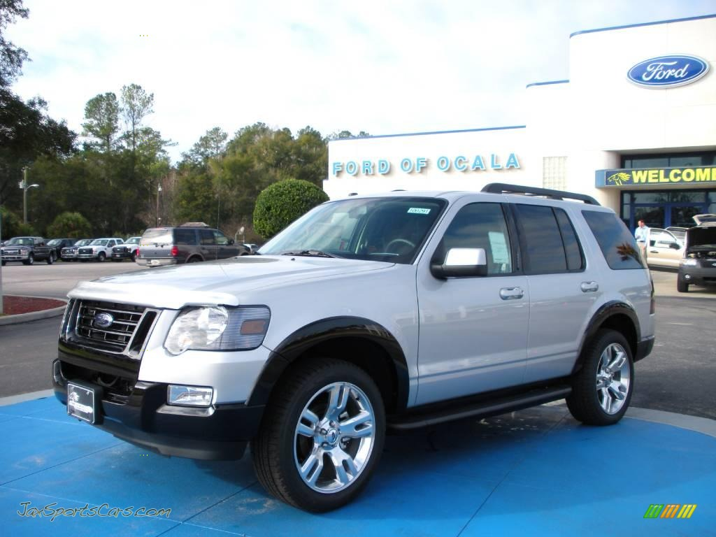 2010 Ford Explorer Xlt In Brilliant Silver Metallic