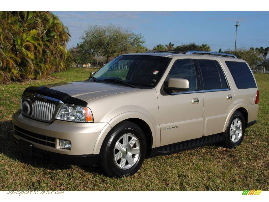 2005 Lincoln Navigator Luxury 4x4 In Light French Silk