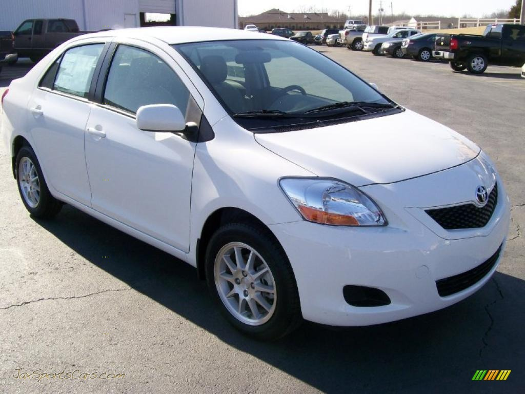 2010 toyota yaris sedan in polar white   072131 jax
