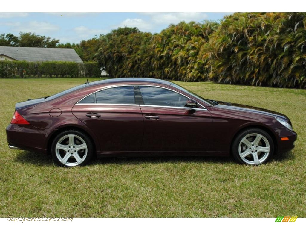 2006 Mercedes Benz Cls 500 In Bordeaux Red Metallic Photo