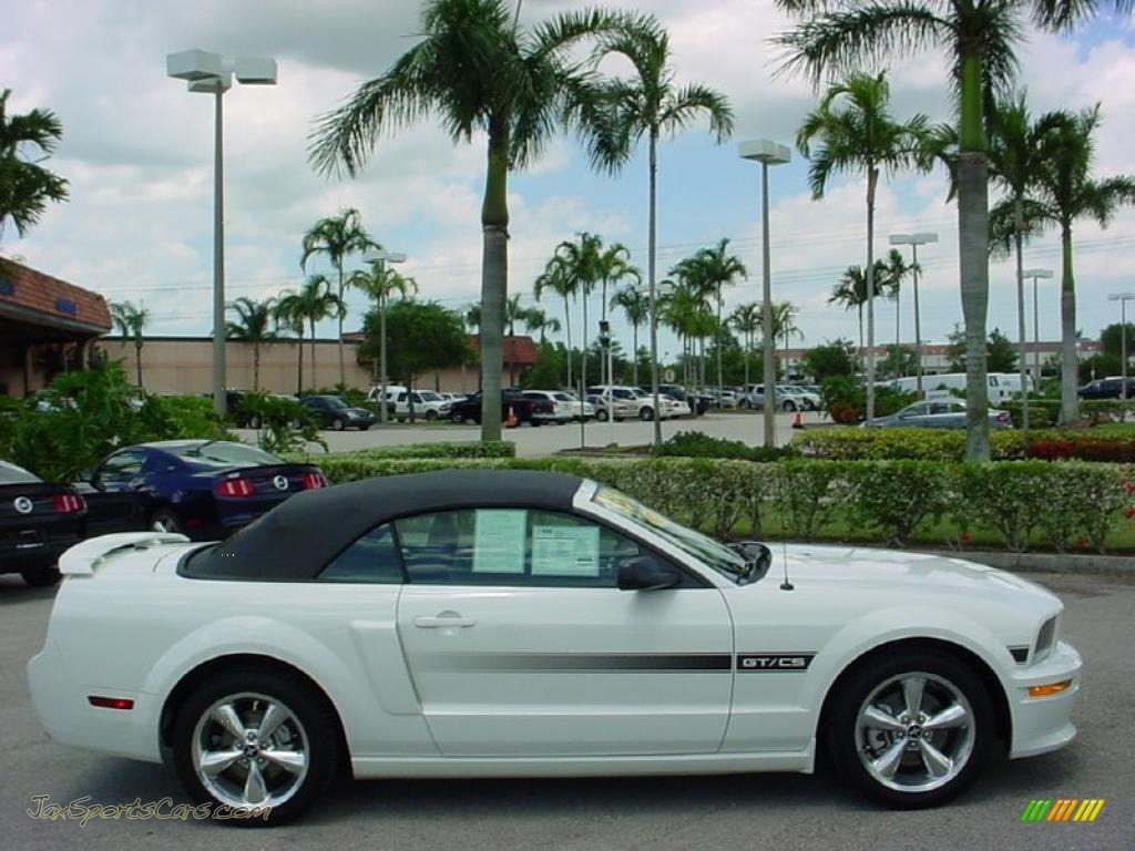 2009 ford mustang gt cs california special convertible in performance white photo 5 120621. Black Bedroom Furniture Sets. Home Design Ideas