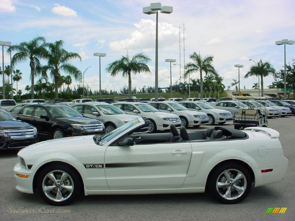 2009 ford mustang gt cs california special convertible in performance white photo 10 120621. Black Bedroom Furniture Sets. Home Design Ideas