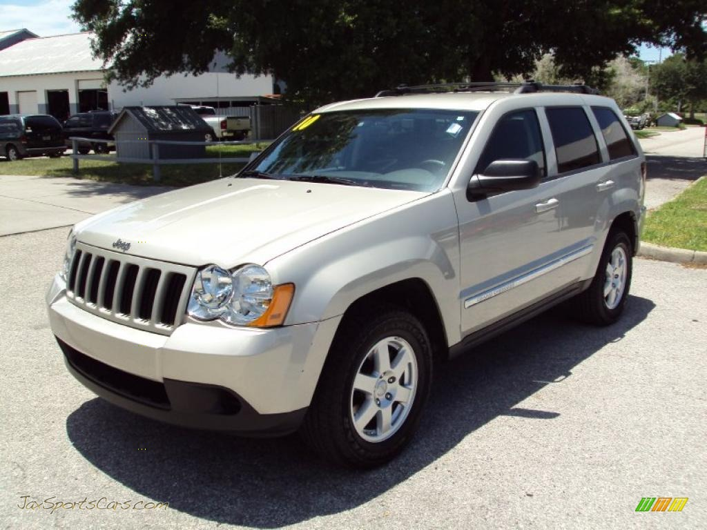 2010 jeep grand cherokee laredo in light graystone pearl 111972. Cars Review. Best American Auto & Cars Review