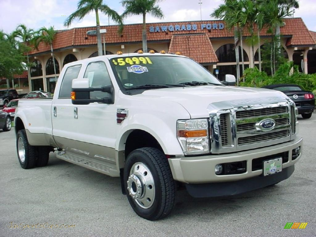 Ford F450 Super Duty King Ranch Crew Cab 4x4 Dually in White Platinum