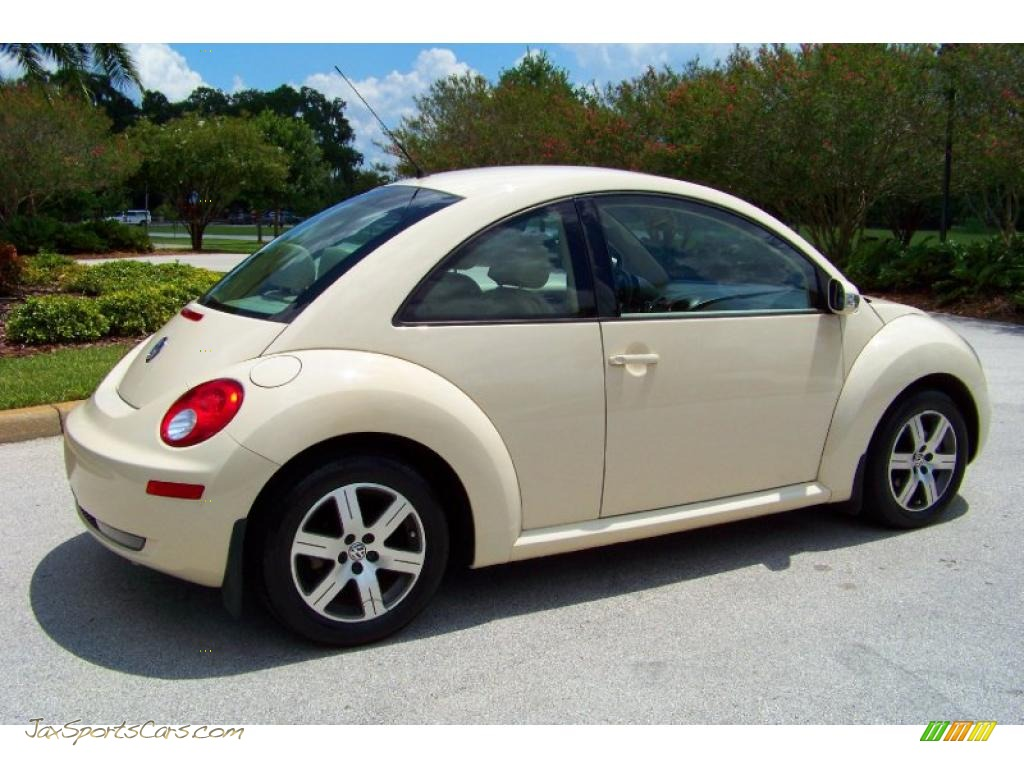 2006 Volkswagen New Beetle TDI Coupe in Harvest Moon Beige photo #7 ...