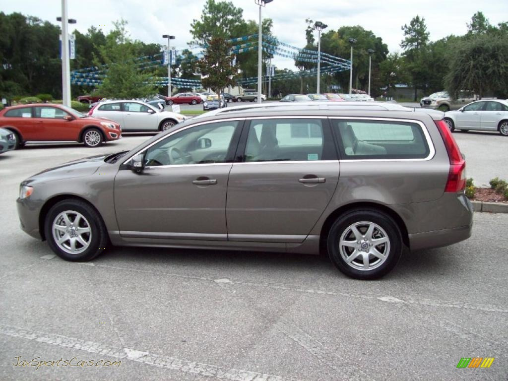 2008 Volvo V70 3.2 in Seashell Metallic photo #5 - 052196 | Jax Sports Cars - Cars for sale in ...
