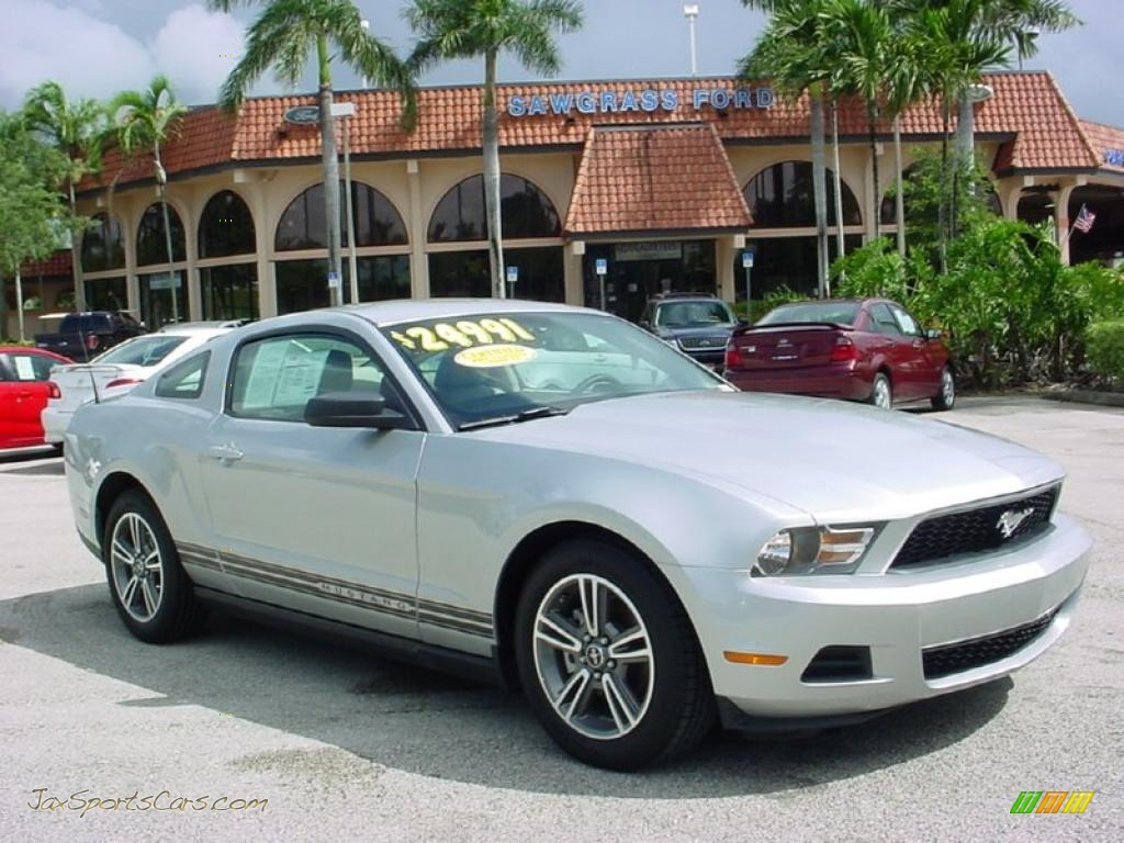 2010 ford mustang v6 premium coupe in brilliant silver metallic. Black Bedroom Furniture Sets. Home Design Ideas