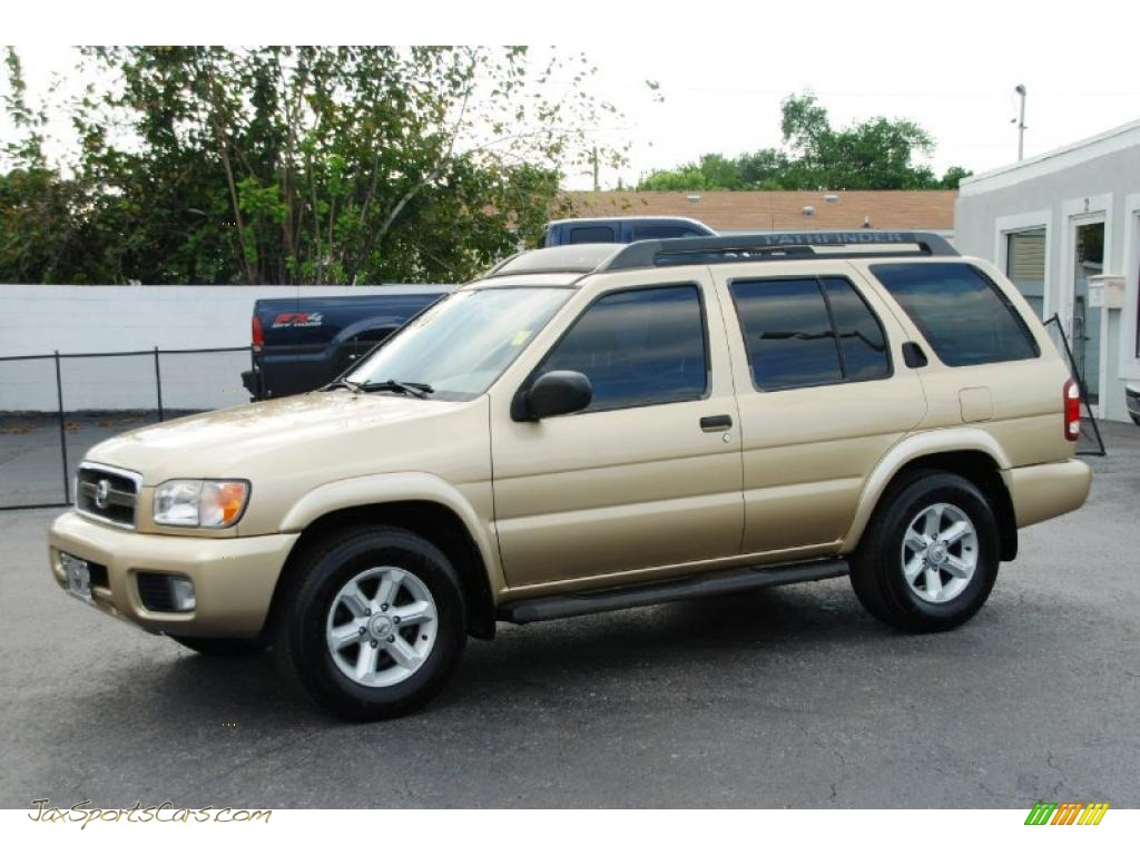 2004 Nissan Pathfinder Se In Luminous Gold Metallic