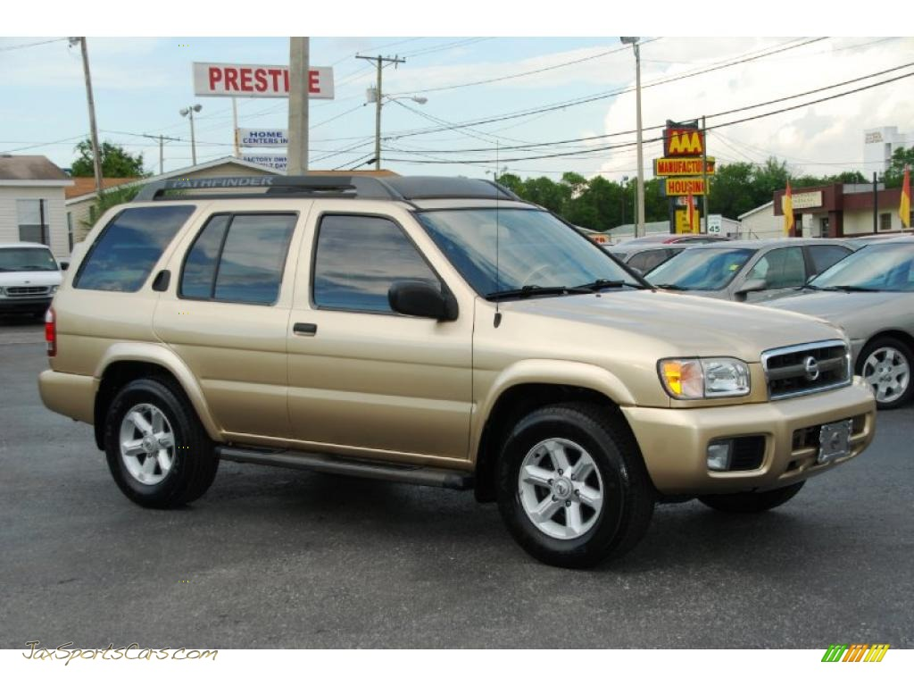 2004 Nissan Pathfinder Se In Luminous Gold Metallic Photo