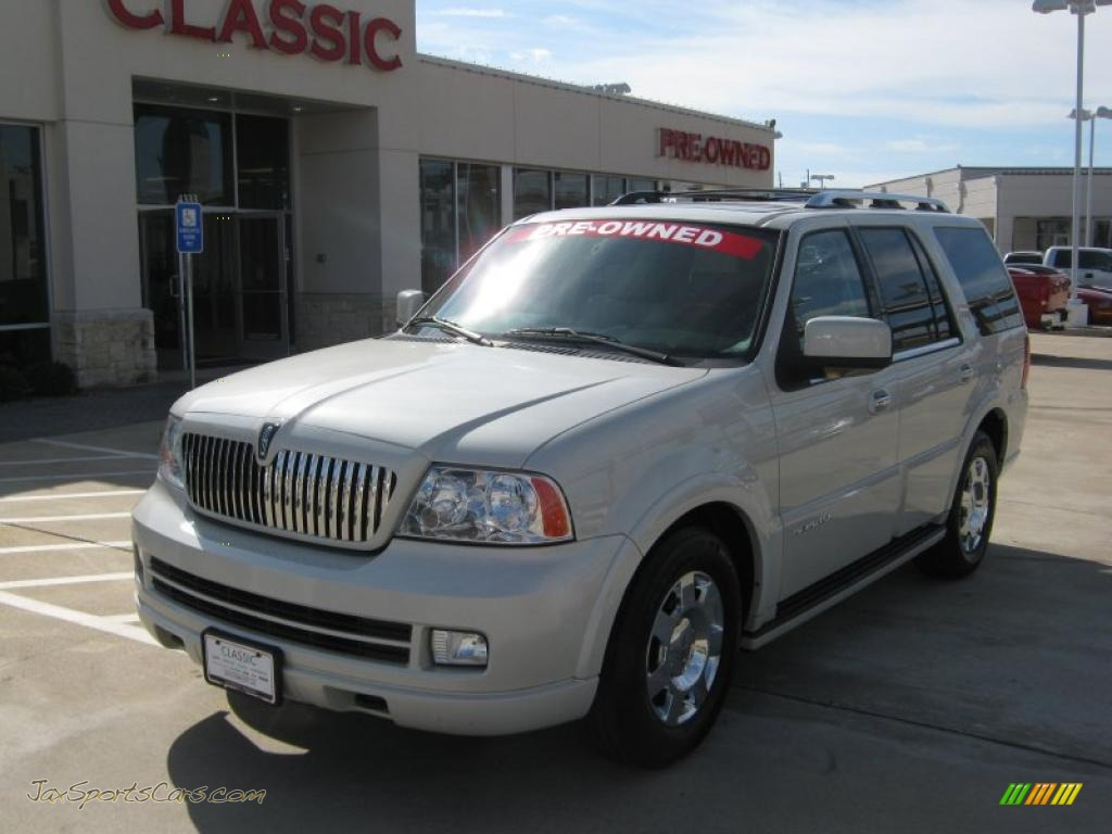 2006 lincoln navigator luxury in oxford white j15596 jax sports cars cars for sale in florida. Black Bedroom Furniture Sets. Home Design Ideas
