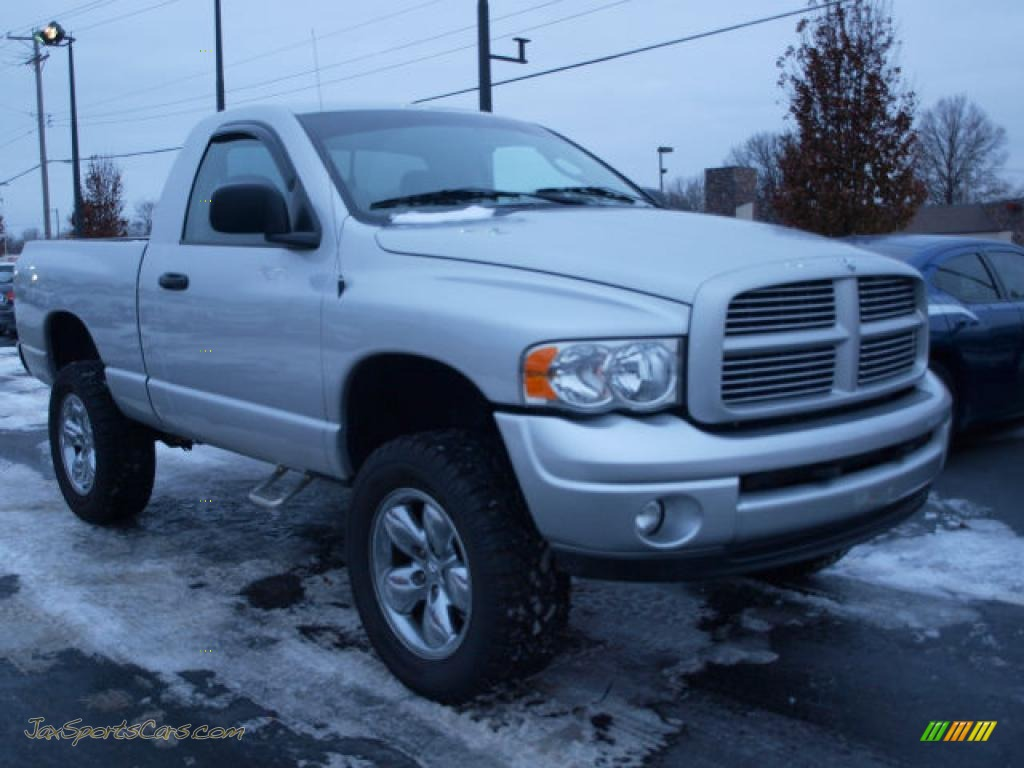 2004 Dodge Ram 1500 St Regular Cab 4x4 In Bright Silver