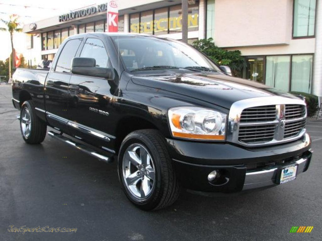 2006 dodge ram 1500 laramie quad cab in brilliant black crystal pearl. Black Bedroom Furniture Sets. Home Design Ideas