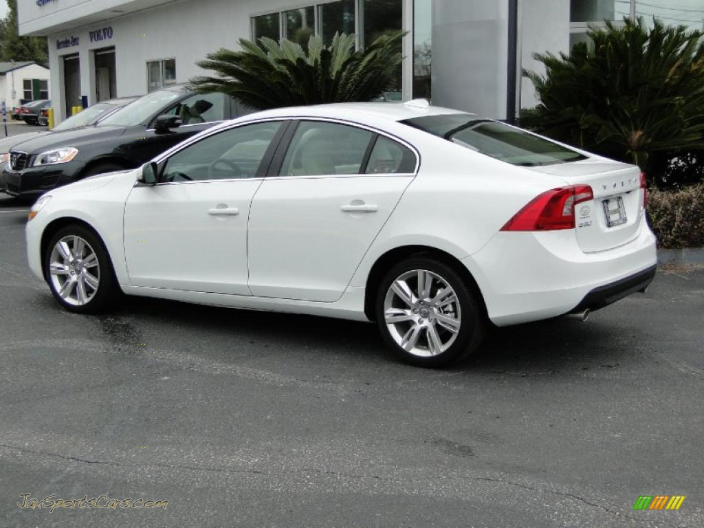2011 volvo s60 t6 awd in ice white photo 11 017244. Black Bedroom Furniture Sets. Home Design Ideas