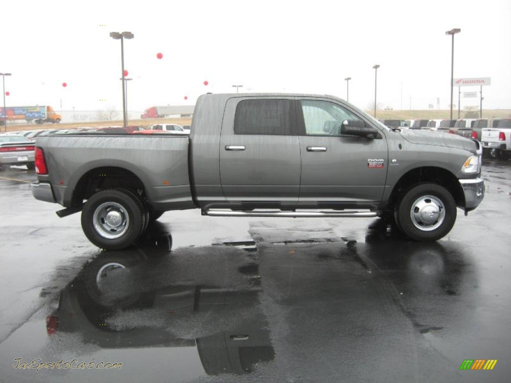 2014 Dodge Ram 3500 Mega Cab Dually