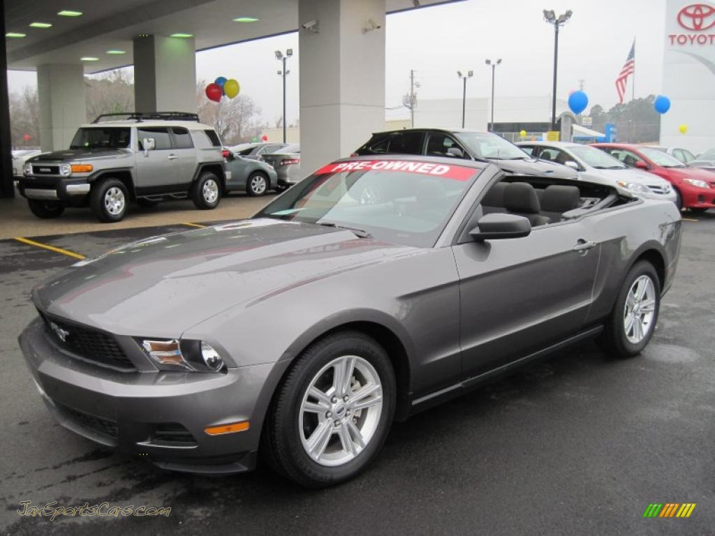 2010 ford mustang v6 convertible in sterling grey metallic 124845. Black Bedroom Furniture Sets. Home Design Ideas