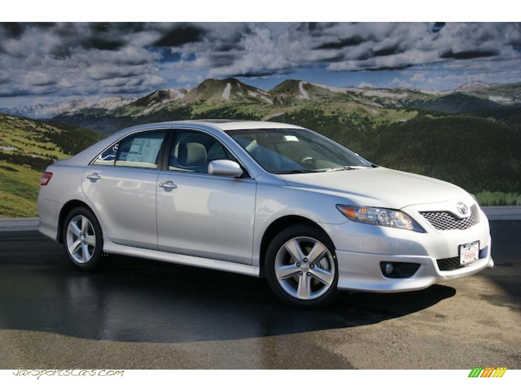 2011 toyota camry se in classic silver metallic 194633 jax sports cars cars for sale in. Black Bedroom Furniture Sets. Home Design Ideas