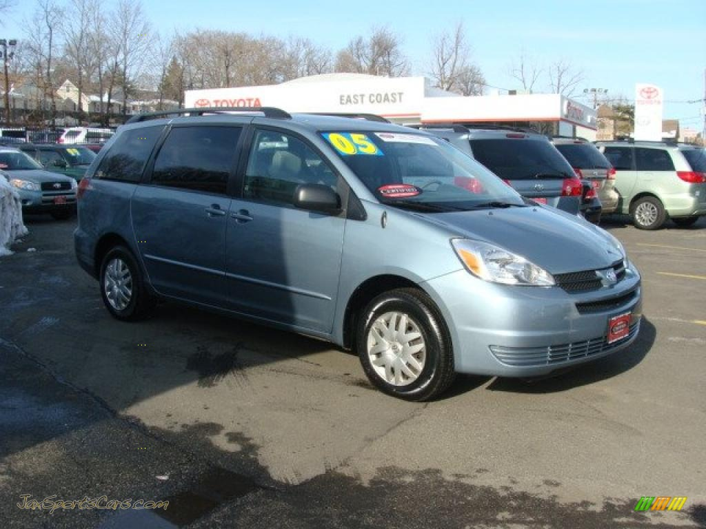 2005 Toyota Sienna Le In Blue Mirage Metallic 347868