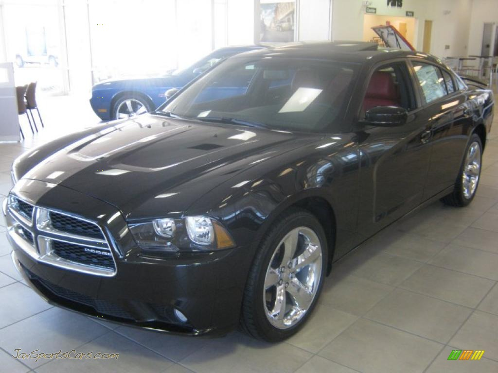 2011 Dodge Charger Rallye Plus In Brilliant Black Crystal