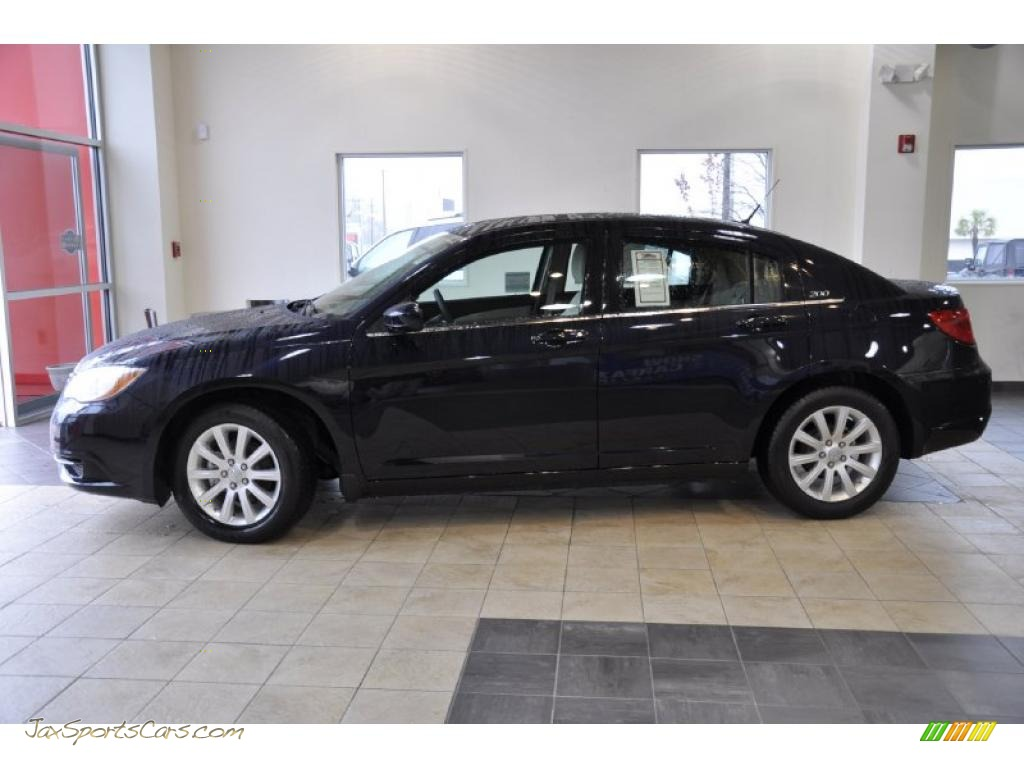 Blackberry Pearl / Black/Light Frost Beige Chrysler 200 Touring