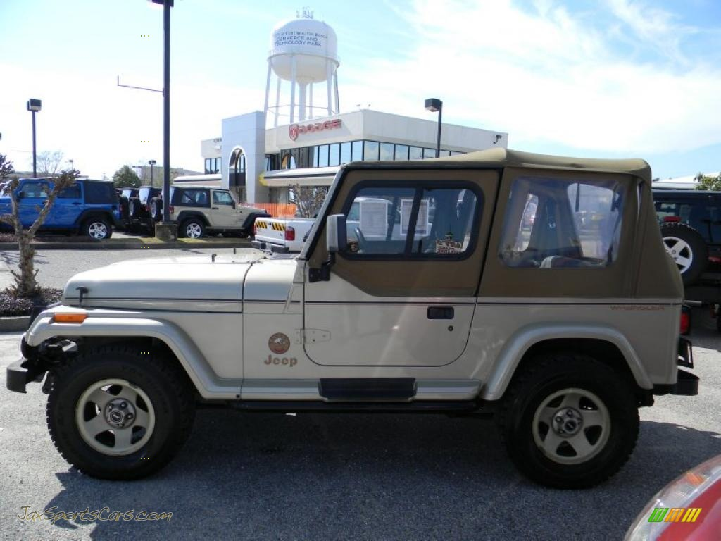1992 jeep wrangler sahara 4x4 in light champagne metallic photo 2 524668 jax sports cars. Black Bedroom Furniture Sets. Home Design Ideas