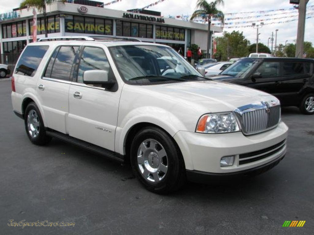 2006 lincoln navigator luxury in light french silk metallic j03064 jax sports cars cars. Black Bedroom Furniture Sets. Home Design Ideas