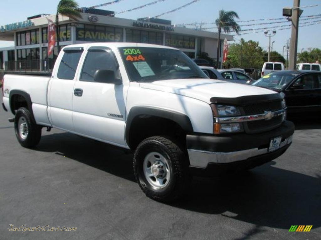 Summit white dark charcoal chevrolet silverado 2500hd ls extended cab 4x4