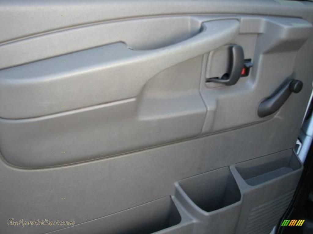 2006 chevrolet express 2500 cargo van in summit white photo 20 267902 jax sports cars. Black Bedroom Furniture Sets. Home Design Ideas