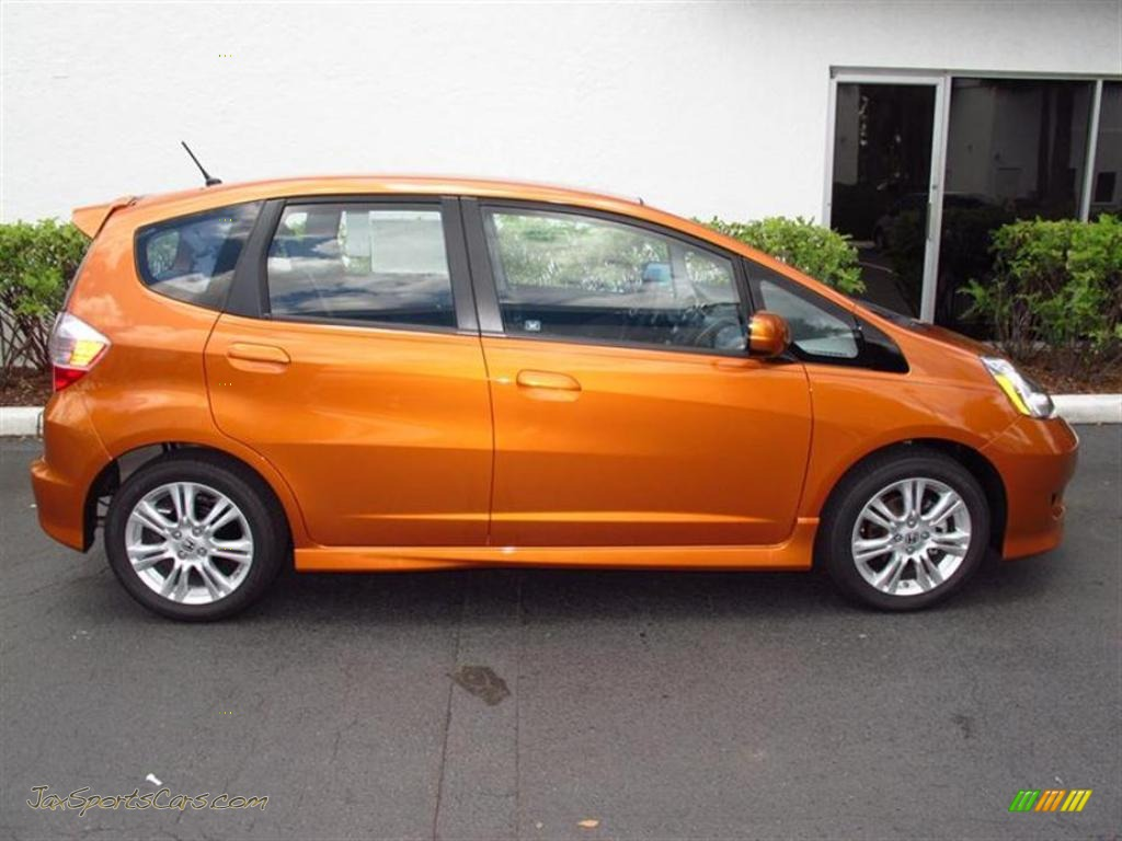 2011 Honda Fit Sport In Orange Revolution Metallic Photo