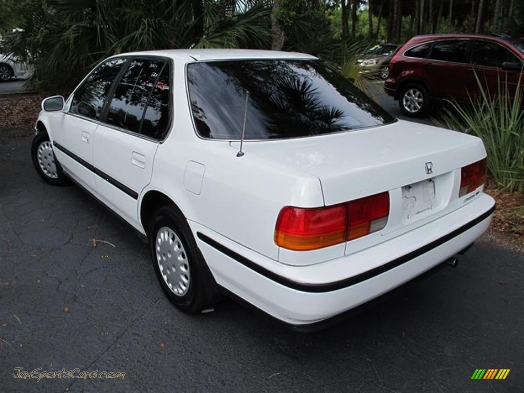 1993 Honda Accord Lx Sedan In Frost White Photo 3