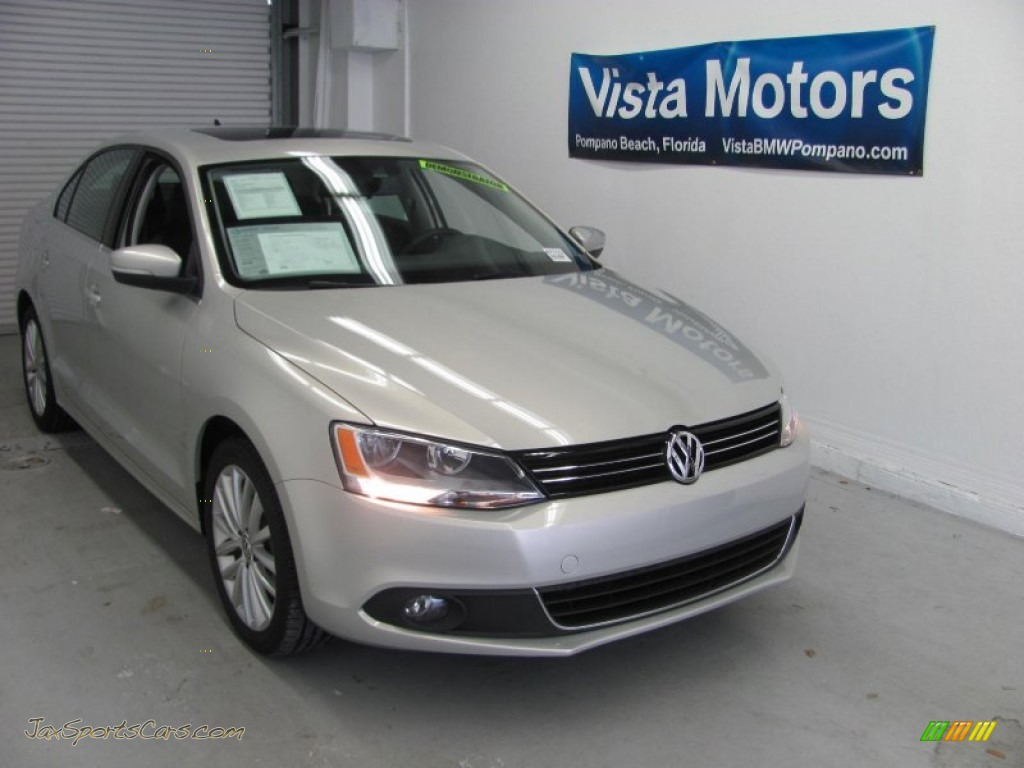 2011 Volkswagen Jetta Se Sedan In White Gold Metallic 327285 Jax Sports Cars Cars For Sale