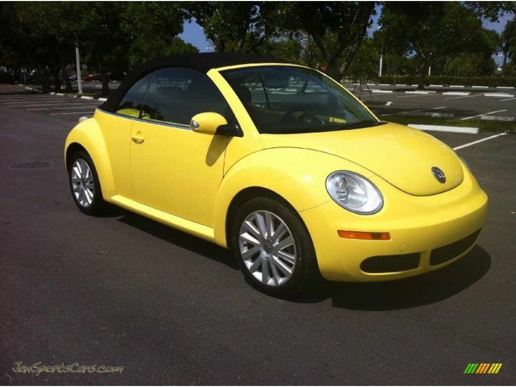 2008 volkswagen new beetle se convertible in sunflower yellow photo 4 402454 jax sports. Black Bedroom Furniture Sets. Home Design Ideas