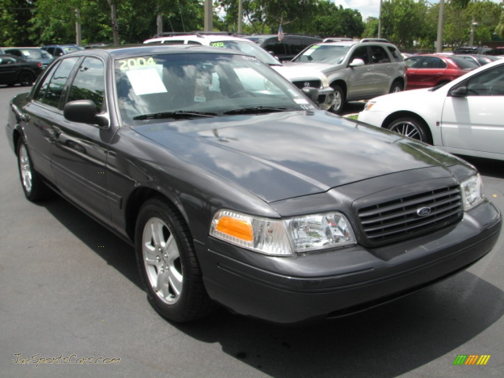 2004 Ford Crown Victoria Lx In Midnight Grey Metallic